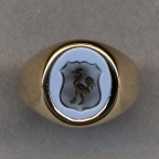 Ladies Stone Family Crest Ring with Plain Shank by Heraldica Imports