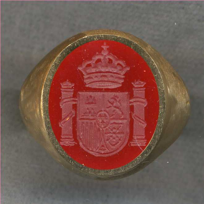 A man's ring with the Coat of Arms of Spain.
