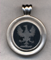 6000 Crest Stone Pendant Collection by Heraldica Imports